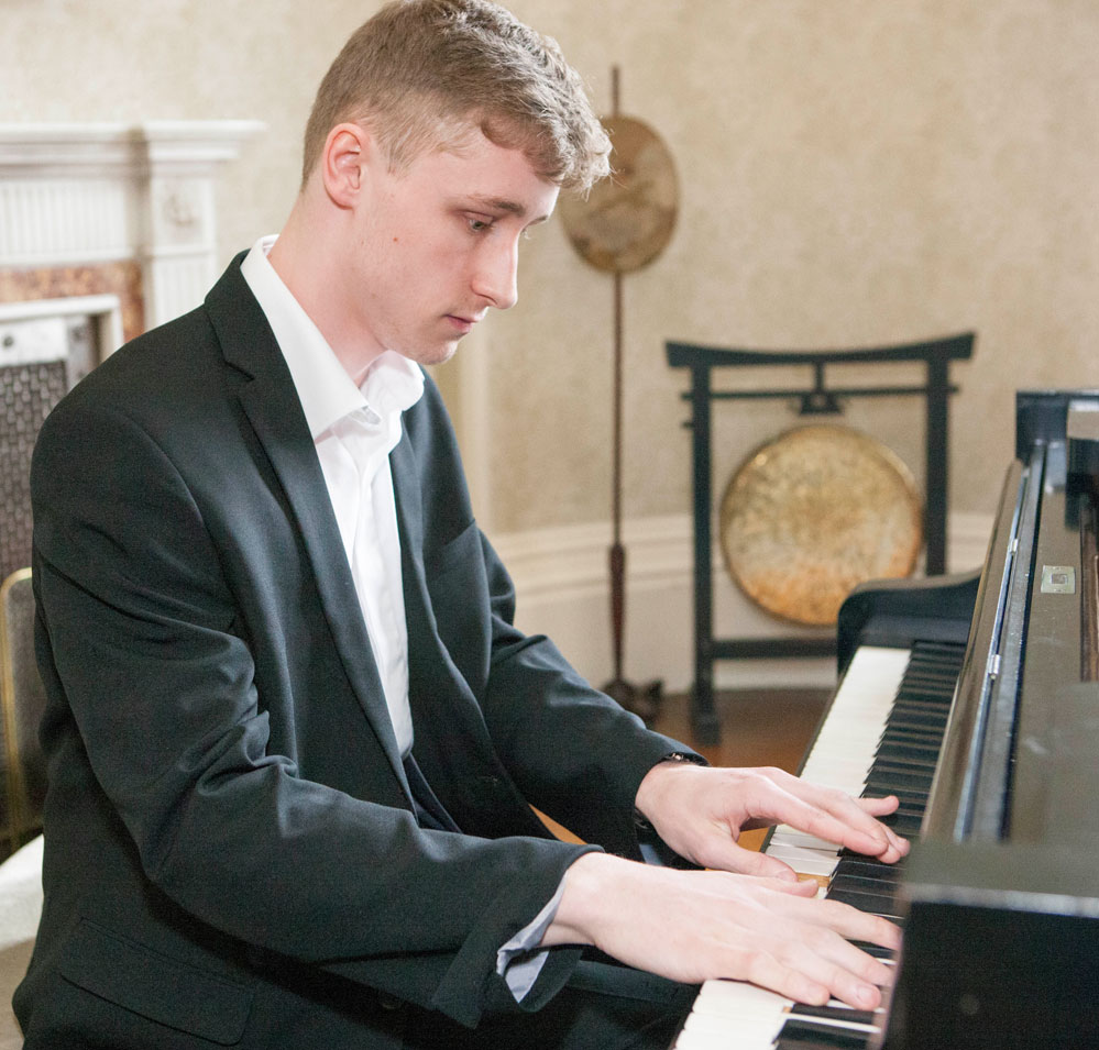 Ellis Thomas - Gregynog Young Musician of the Year 2019